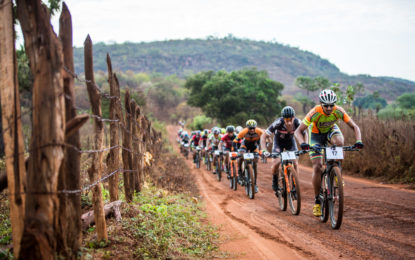 Paratletas dão aula de superação no ciclismo, no Picos Pro Race.