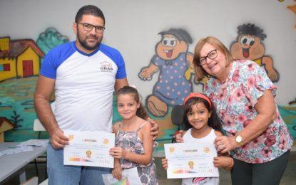 Prefeitura de Guadalupe realiza entrega de certificados dos cursos de pintura e reciclagem