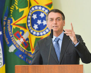 Bolsonaro intervém em órgãos de controle