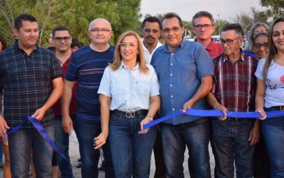 Prefeita de Guadalupe inaugura calçamento no bairro Vila Nova e reforma e ampliação do Parque de Vaquejada