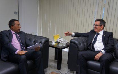 Ciro se reúne com os prefeitos de Floriano e Santo Inácio para ouvir demandas dos municípios