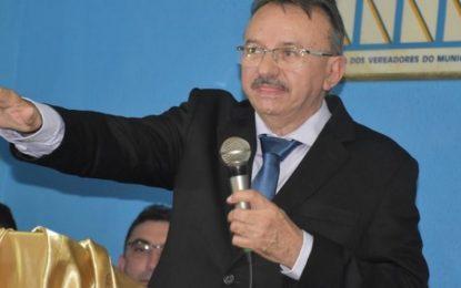 Ex-prefeito no Piauí sofre grave acidente na BR-316 em Picos