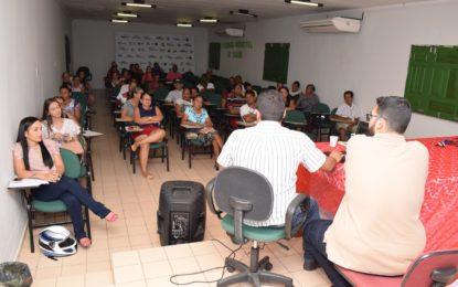 Assessoria jurídica da Prefeitura de Guadalupe realiza reunião com moradores do bairro Vila Nova