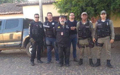 Polícia de Guadalupe apreende cartões do Bolsa Família na casa de enfermeiro em Marcos Parente