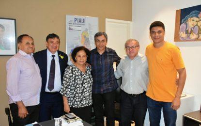 Prefeito de Marcos Parente é recebido pelo governador Wellington Dias e trata de obras e ações para o município