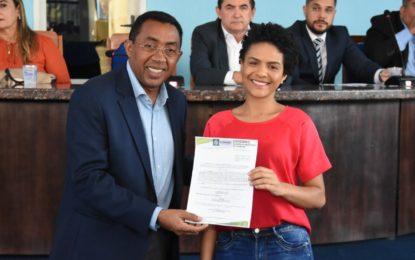 Prefeitura de Floriano empossa novos servidores municipais concursados