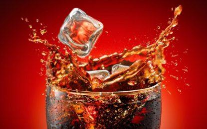 """Esta quantidade de coca-cola por dia """"eleva em 50% risco de enfarte"""""""