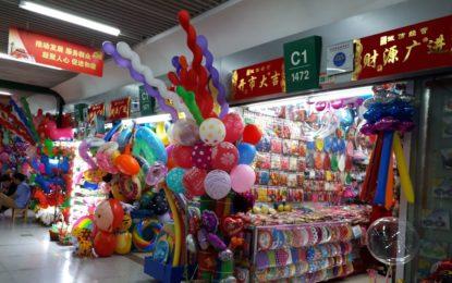 EUA aumenta impostos sobre importações chinesas; Pequim retalia
