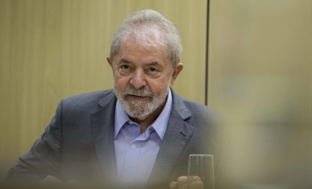 Lula aguarda STF e já faz plano de caravanas pelo país caso deixe a prisão neste ano