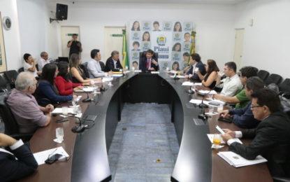 Governador e Uespi debatem regularização de pagamentos da UAPI