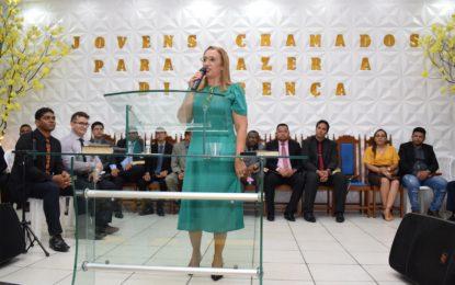 Prefeita Neidinha Lima participa do encerramento do 6º Congresso de Jovens em Guadalupe
