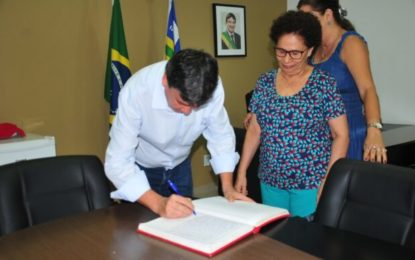 Governador vai a Europa e Regina Sousa assume o Governo