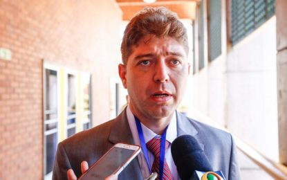 Fundação empossa Rodrigo Martins como novo diretor geral do HUT