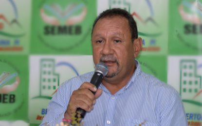 Geraldo Fonseca Correia toma posse como prefeito de Bertolínia