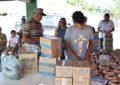 Prefeita Neidinha Lima faz entrega de dezenas de filtros às famílias guadalupenses