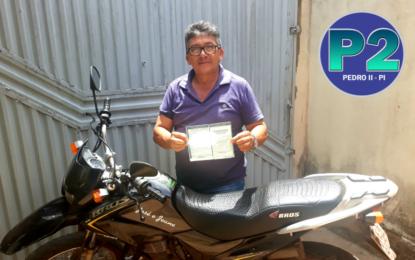 Parece piada: motociclista é multado por dirigir sem o cinto de segurança em Teresina