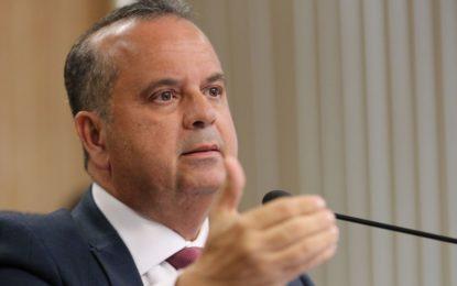 Governo contratará 7 mil militares para reforçar atendimento no INSS