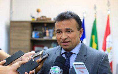 Secretário Fábio Abreu critica lei que impede a divulgação de presos