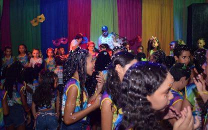 Bloco Mulekda finaliza seu carnaval em Guadalupe com grande arrastão