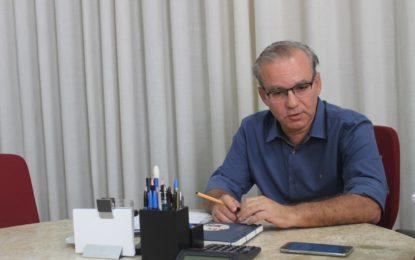 Firmino assina novo decreto mantendo medidas de isolamento em Teresina