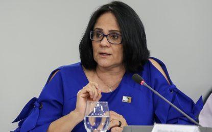 Damares Alves vai a Floriano conhecer experiência com cloroquina
