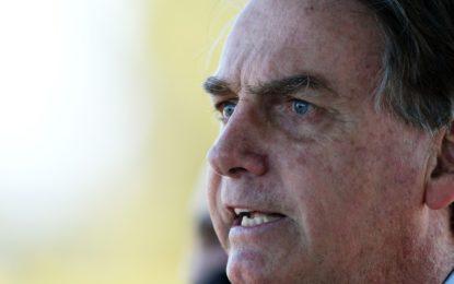 Tudo aponta para uma crise, diz Bolsonaro ao citar reportagens sobre decisões do Judiciário
