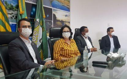"""""""Estão salvando vidas"""", diz Damares sobre tratamento de Floriano"""