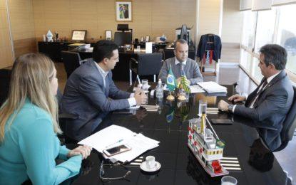 Ciro garante 11 milhões para corredores de ônibus em Teresina