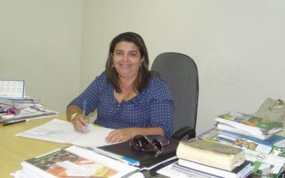 TCE mantém decisão que reprovou contas da ex-prefeita Chirlene Araújo.