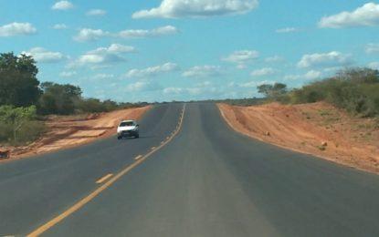 Governo do Estado recupera estrada no extremo sul do Piauí