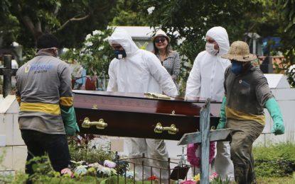 Brasil tem 72.921 mortes e mais de 1,8 milhão de casos