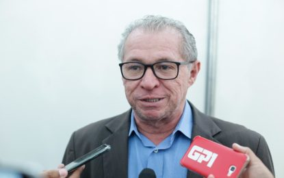 Deputado Assis Carvalho (PT) morre aos 59 anos após sofrer infarto.