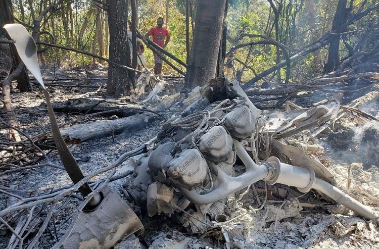 Portal Cidade Luz – Avião cai na zona rural de Teresina e o piloto morre  carbonizado
