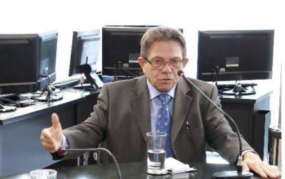 Avelino Neiva desiste da pré-candidatura à prefeitura de Floriano