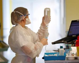 Holanda registra 1ª morte de paciente reinfectada por Covid-19